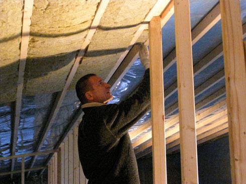 Stogo konstrukcijos šiltinimo darbai iš vidaus